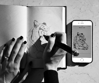 Draw with this amazing pen and it records the artwork to your phone