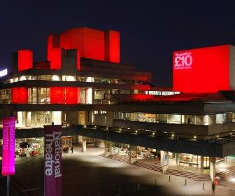 How the National Theatre is using VR for Set Design